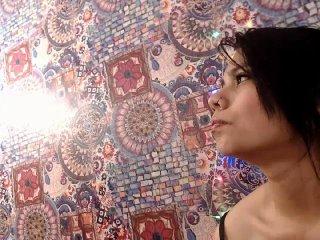 Photo de profil sexy du modèle MaraJhonson, pour un live show webcam très hot !