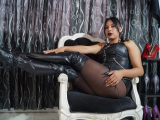 Photo de profil sexy du modèle EvelynGonzalesLuv, pour un live show webcam très hot !