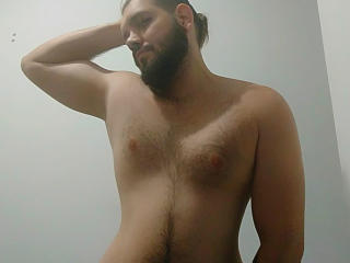 Picture of the sexy profile of BigXHunter, for a very hot webcam live show !