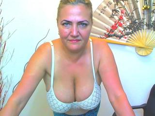 Picture of the sexy profile of LadyAdvice, for a very hot webcam live show !