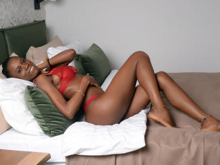 Photo de profil sexy du modèle SashaFierce, pour un live show webcam très hot !