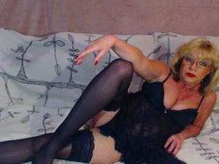 Sexet profilfoto af model BlondeHouseWife, til meget hot live show webcam!