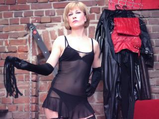 Photo de profil sexy du modèle NastySwitch, pour un live show webcam très hot !