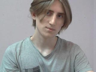 Picture of the sexy profile of AndyDee, for a very hot webcam live show !