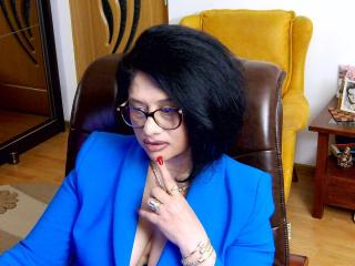 Picture of the sexy profile of ClassybutNaughty, for a very hot webcam live show !